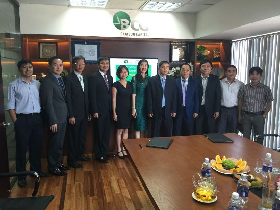 Board members and key personnel of BCG and 1-5 Auto at the signing ceremony