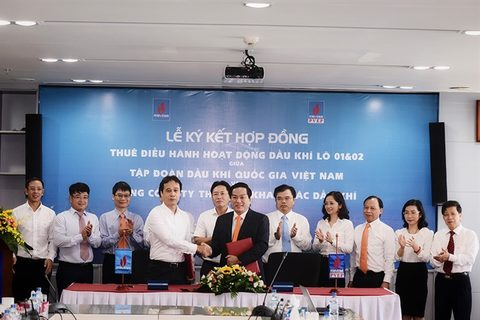 PetroVietnam, PVEP sign contract for oil blocks