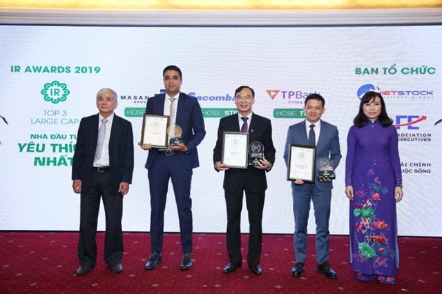 Winners of IR Awards 2019 voted by investors in the large capitalisation category at a ceremony held in HCM City on August 9. — VNS Photo Xuân Hương